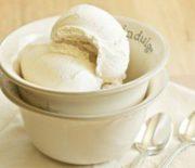 Cách làm kem tươi không cần máy đánh trứng tại nhà