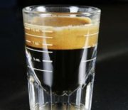Cách pha cafe take away siêu tiết kiệm thời gian