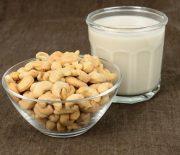 Cách làm sữa hạt điều cực thơm ngon bổ dưỡng cho bé
